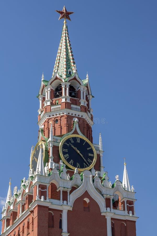 Башня с часами Spasskaya, красная площадь, Москва стоковые фотографии rf