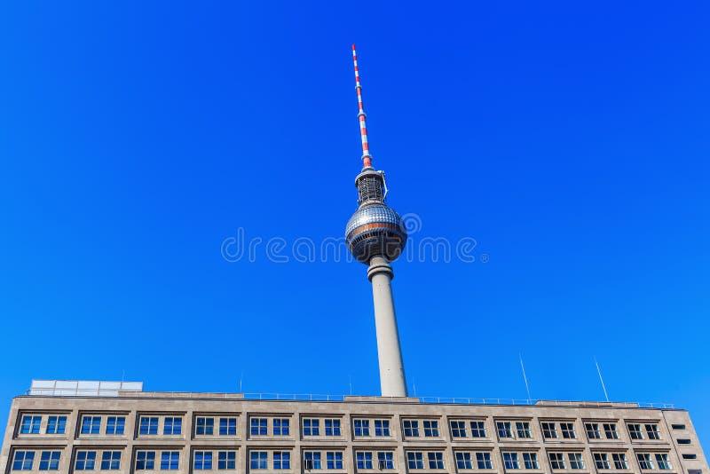 Башня телевидения Берлина, Германии стоковое изображение rf
