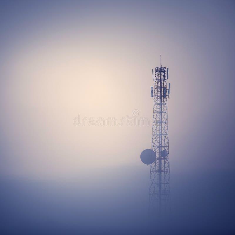 Башня телекоммуникаций стоковое фото rf