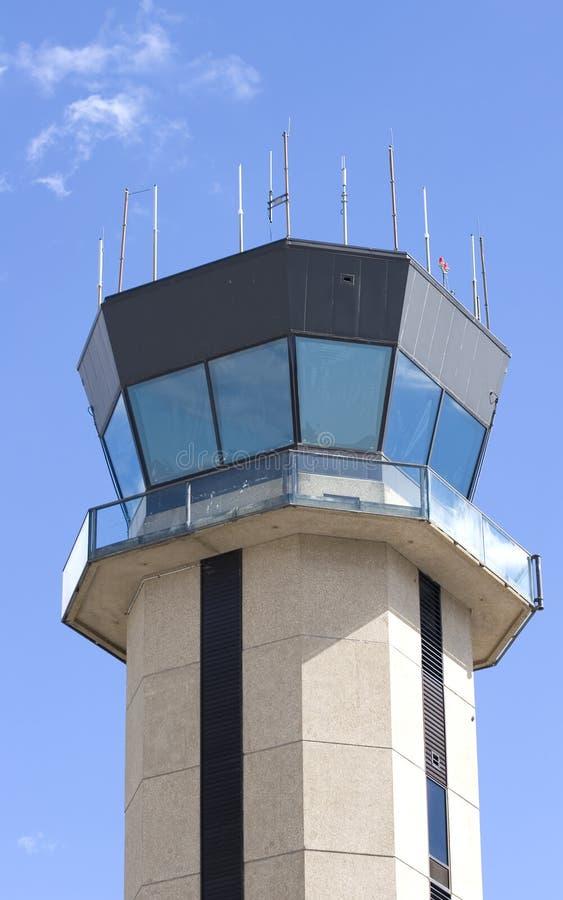 башня управлением авиапорта малая стоковые фотографии rf