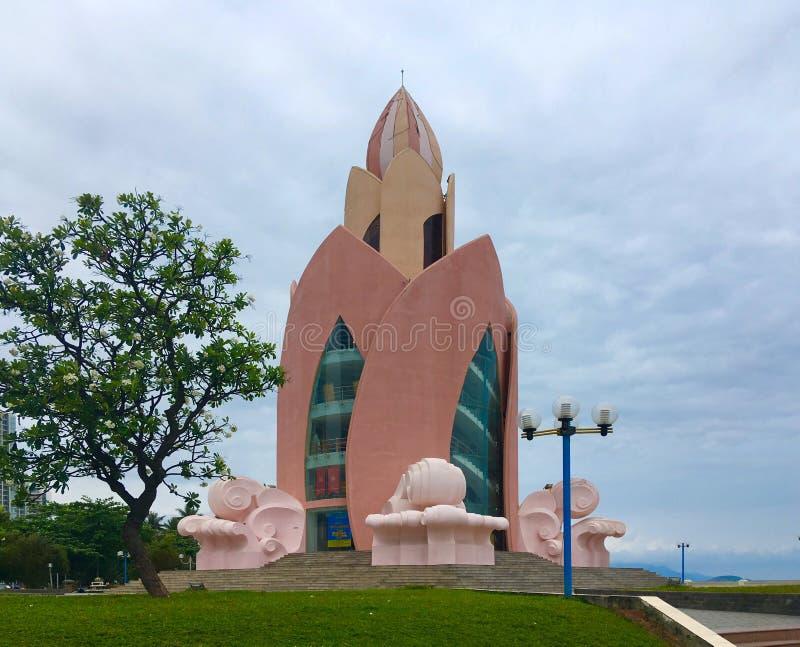 Башня цветка лотоса в городе Nha Trang стоковые фотографии rf