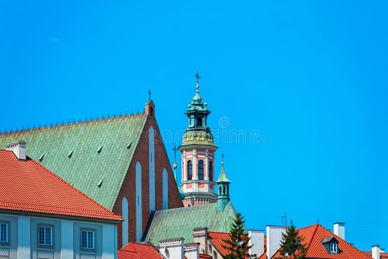 Башня церков иезуита в Варшаве стоковое изображение
