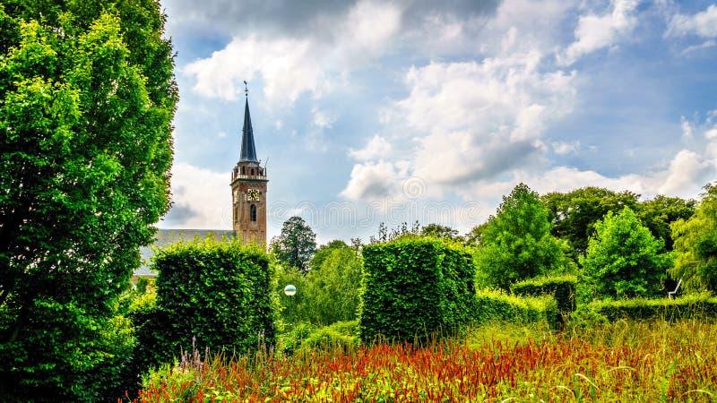 Башня церков Beemster Keyserkerk видима от везде внутри и вокруг старой голландской деревни Midden Beemster стоковые фото