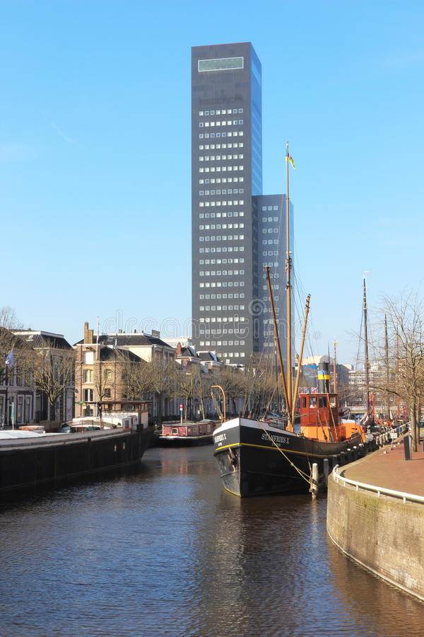 Башня Achmea в Leeuwarden, Голландии стоковое изображение rf