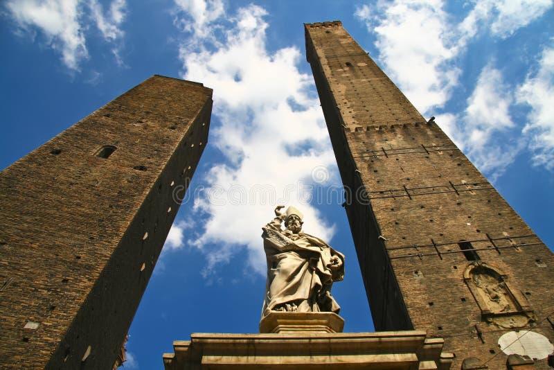 башня asinelli стоковые изображения