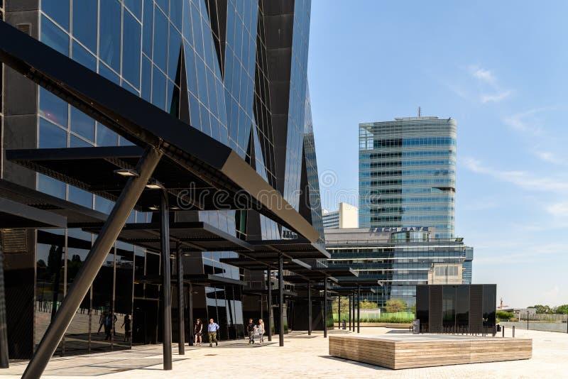 Башня 1 DC, башня Андромеды Unisys и небоскреб башни строба техника в вене стоковые фото
