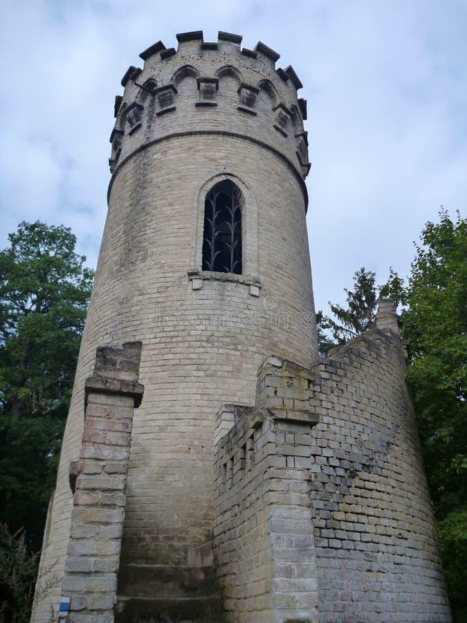 Башня Ded бдительности над городом beroun в чехии с круглой лестницей стоковое изображение