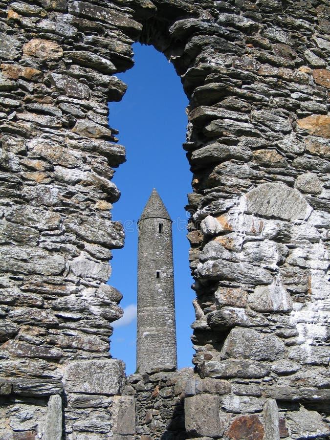 башня glendalough круглая стоковая фотография