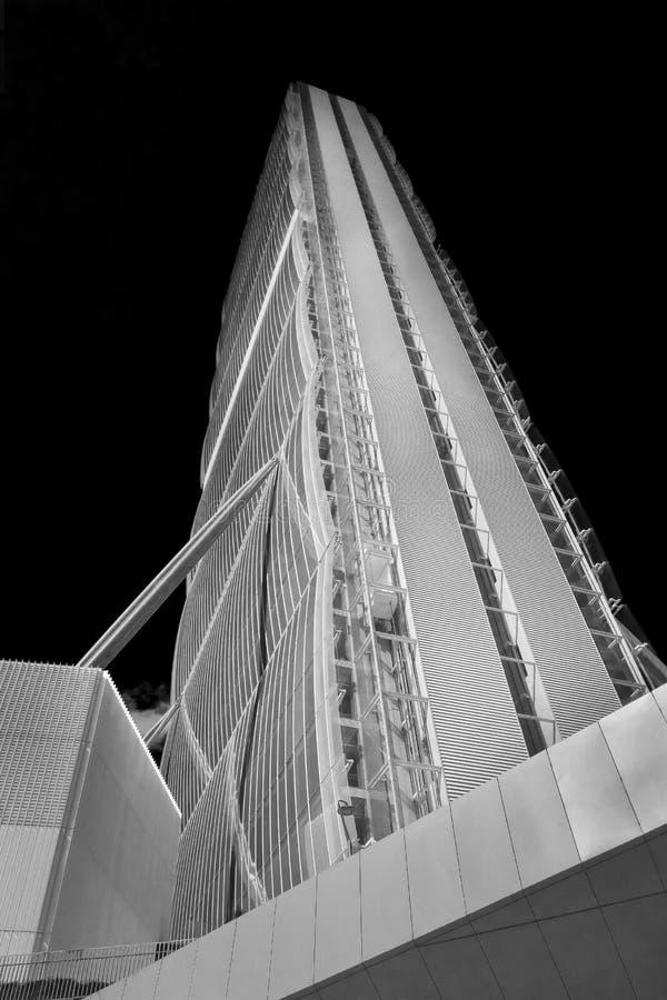 Башня Isozaki в новой городской жизни вызванной миланом, Италии стоковые фотографии rf