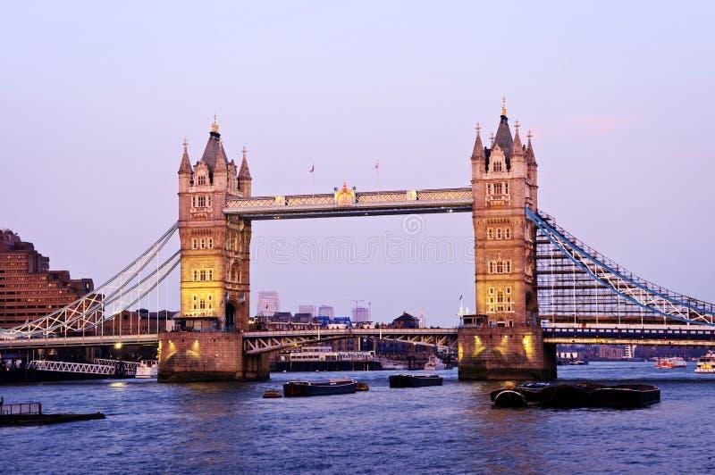 башня london сумрака моста стоковая фотография