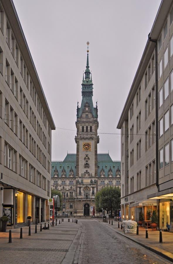 Башня Rathaus городской ратуши Гамбурга стоковые изображения