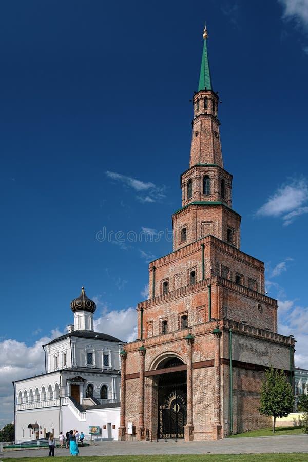 Башня Soyembika и церковь дворца в Казань Кремль стоковая фотография