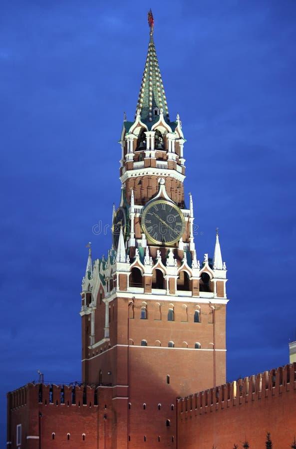 Download Башня Spasskaya к ноча стоковое изображение. изображение насчитывающей культура - 33731485