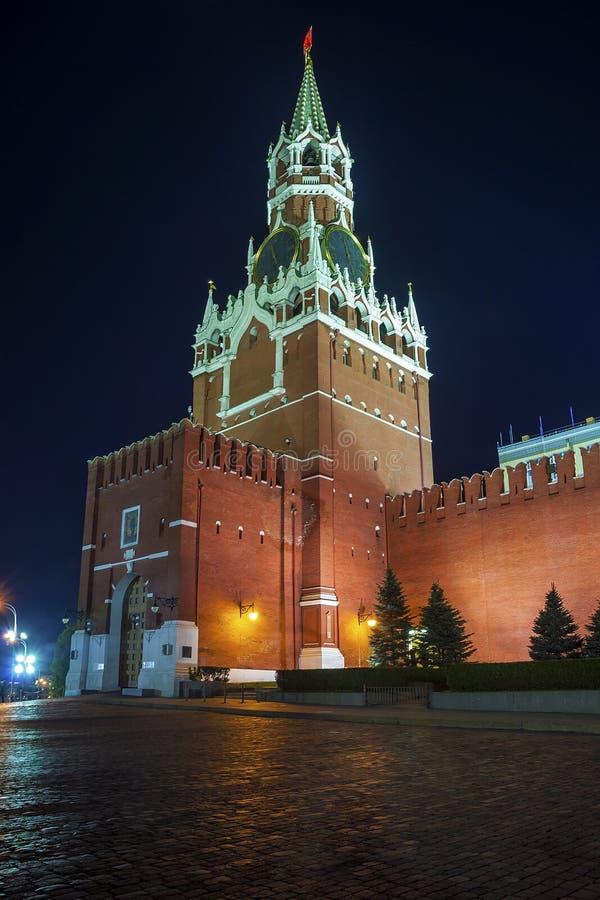 Башня Spasskaya Москвы Кремля (взгляд ночи) стоковое фото rf