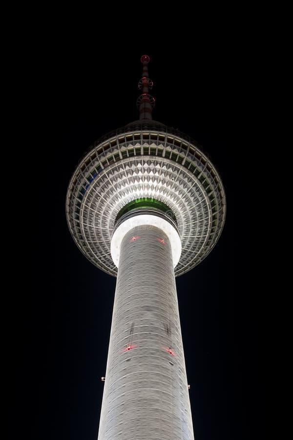 башня tv ночи berlin стоковая фотография rf