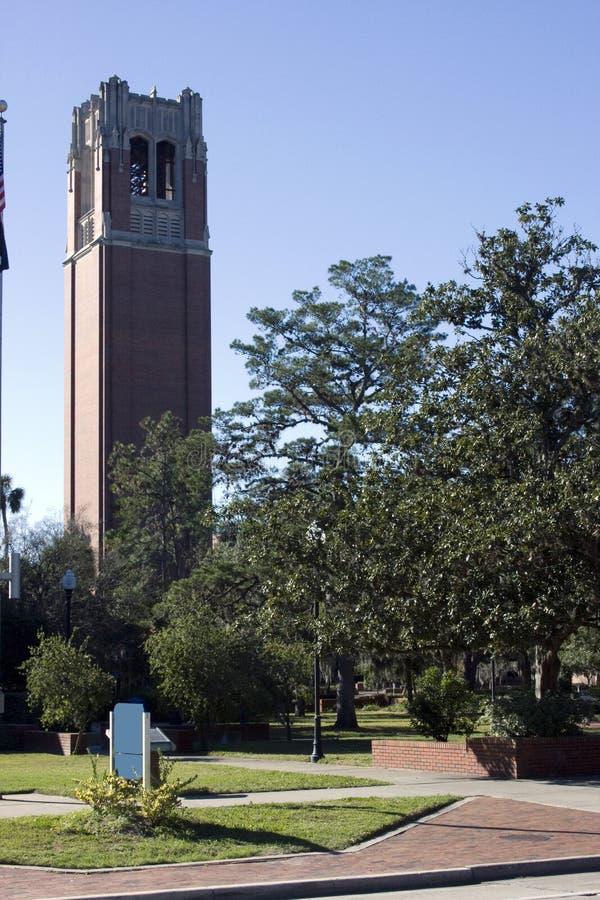 башня uf столетия кампуса стоковое фото rf