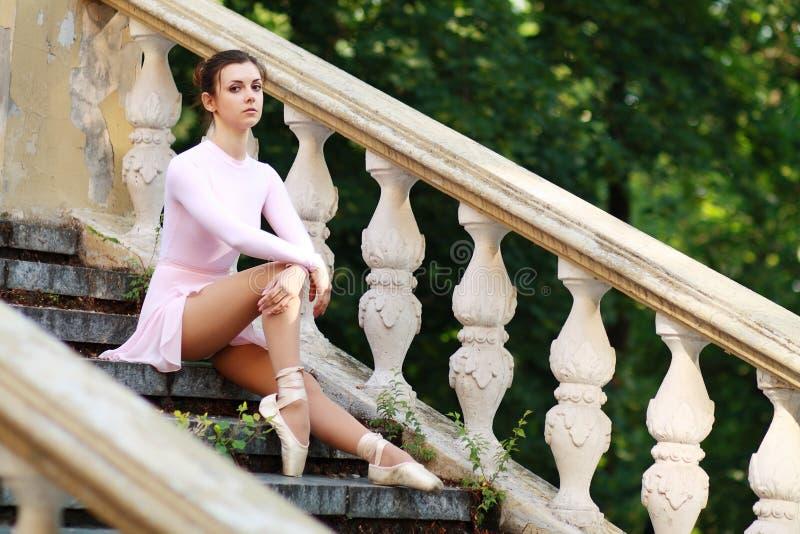 Балерина outdoors стоковое фото