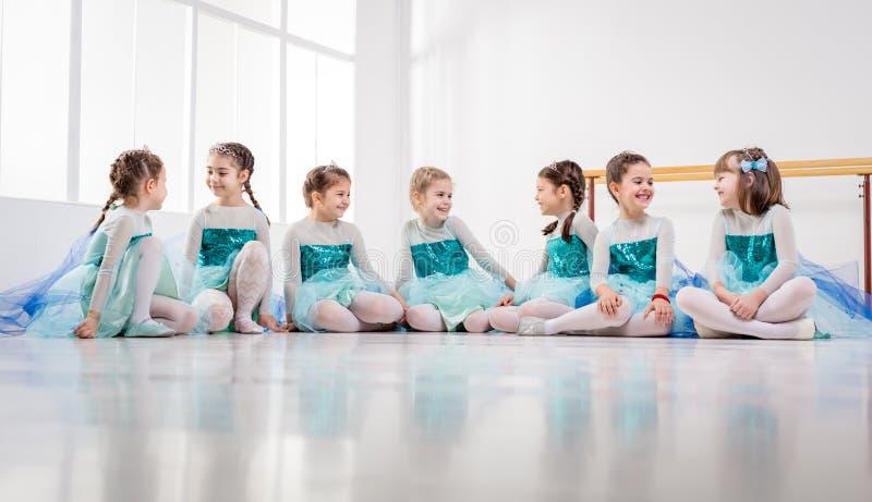 балерины немногая стоковая фотография rf