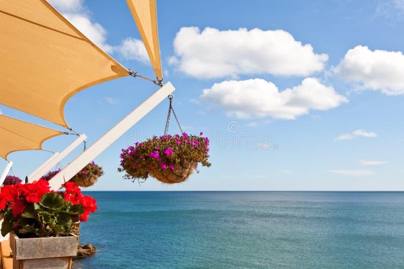 Балкон с взглядом моря стоковое изображение