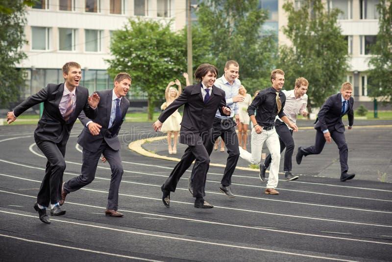 Бег студентов стоковая фотография