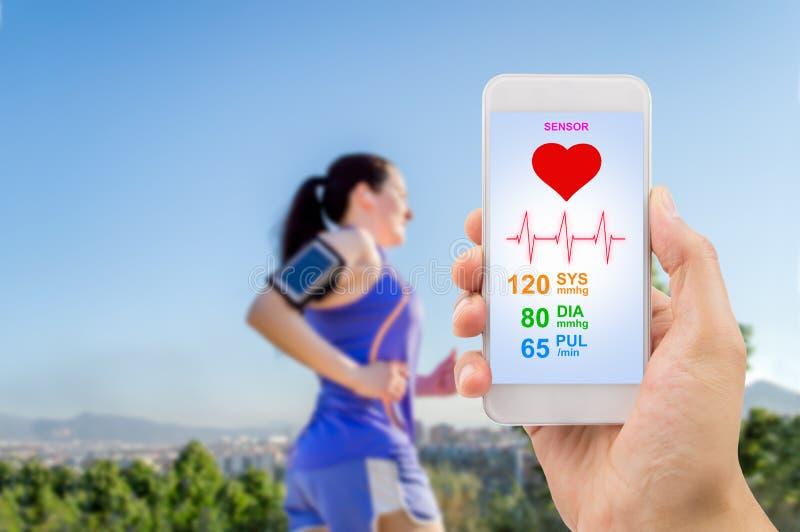 Бежать с здравоохранением app стоковые изображения