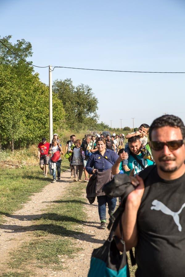 Беженцы входя в Хорватию стоковая фотография
