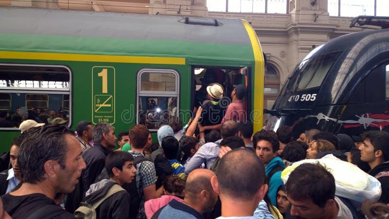 Беженцы в Будапеште, Венгрии стоковые фотографии rf