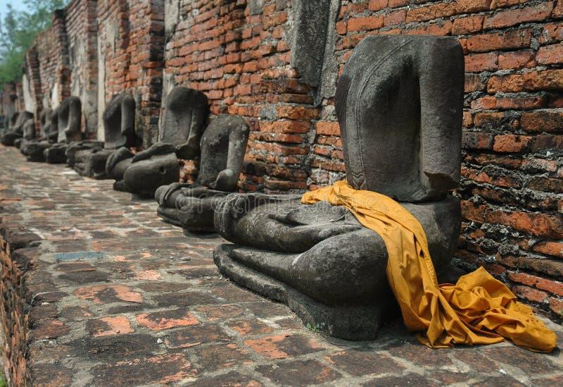 Безглавые статуи Будды стоковое фото rf