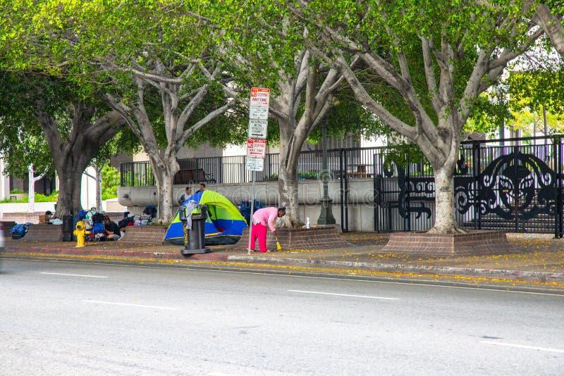 Бездомный лагерь в городском Лос-Анджелесе стоковые фотографии rf