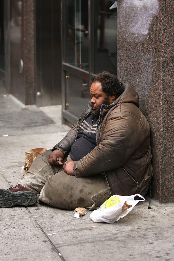бездомный человек стоковое фото