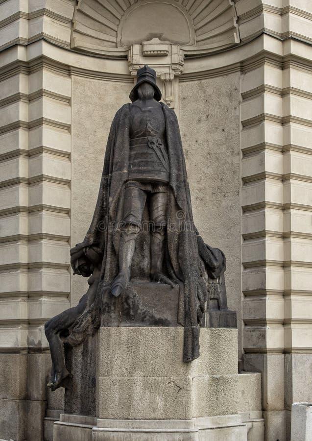 Безликий рыцарь Ladislav Saloun, вне городской ратуши Prauge, чехия стоковая фотография