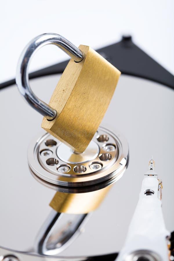 Безопасность жесткого диска компьютера стоковое фото rf