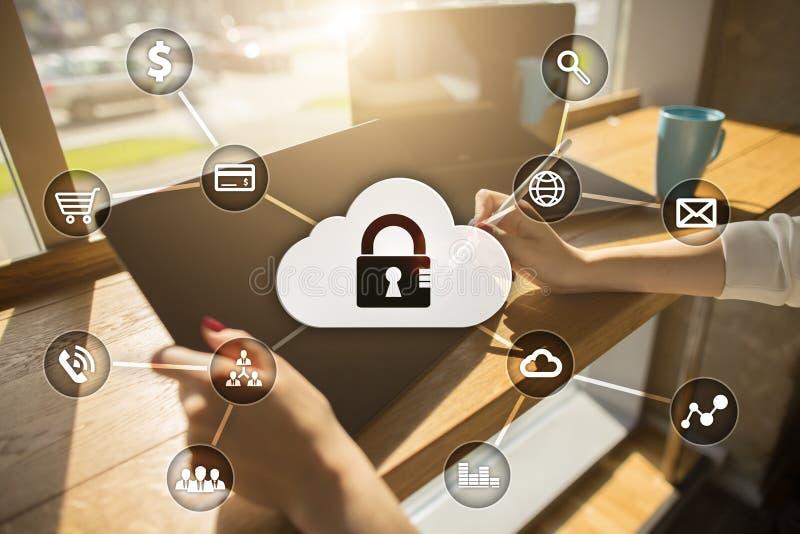 Безопасность кибер, защита данных, безопасность информации Концепция дела технологии стоковая фотография rf