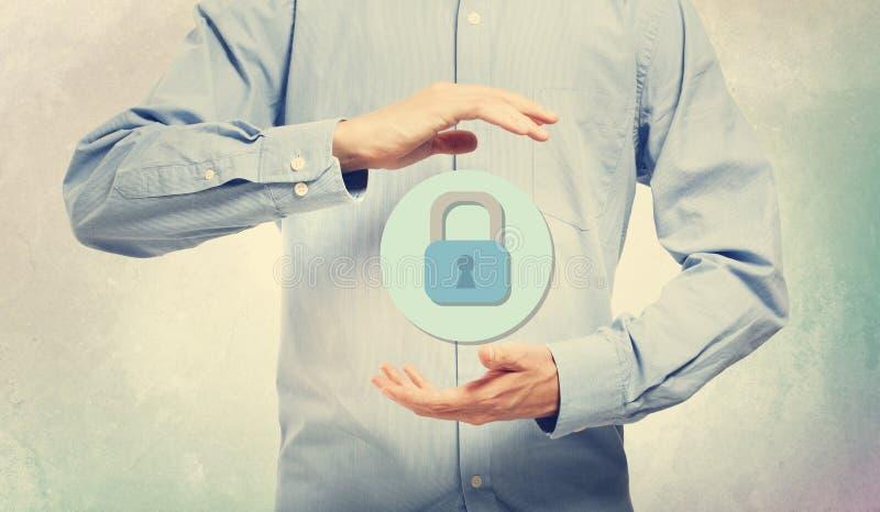 Безопасность кибер с бизнесменом стоковые фотографии rf