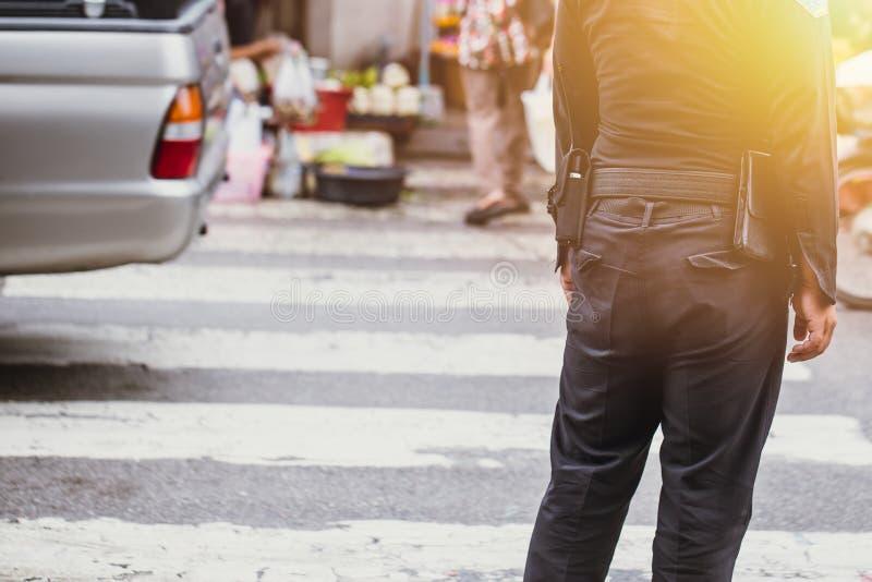 Безопасность офицера города Таиланда на обязанности стоковое изображение