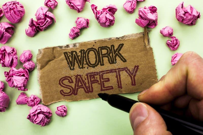 Безопасность работы показа примечания сочинительства Safeness обеспечения предохранения от регулировок безопасностью предостореже стоковое изображение rf