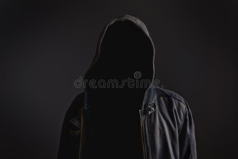 Безликий непознаваемый человек без идентичности стоковые фото