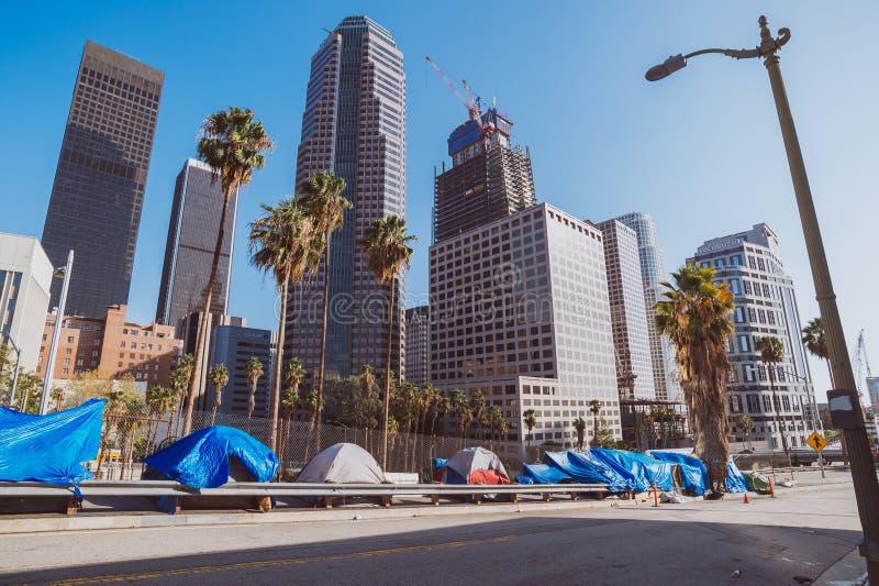 Бездомная разбивка лагеря, городское Лос-Анджелес стоковые фотографии rf