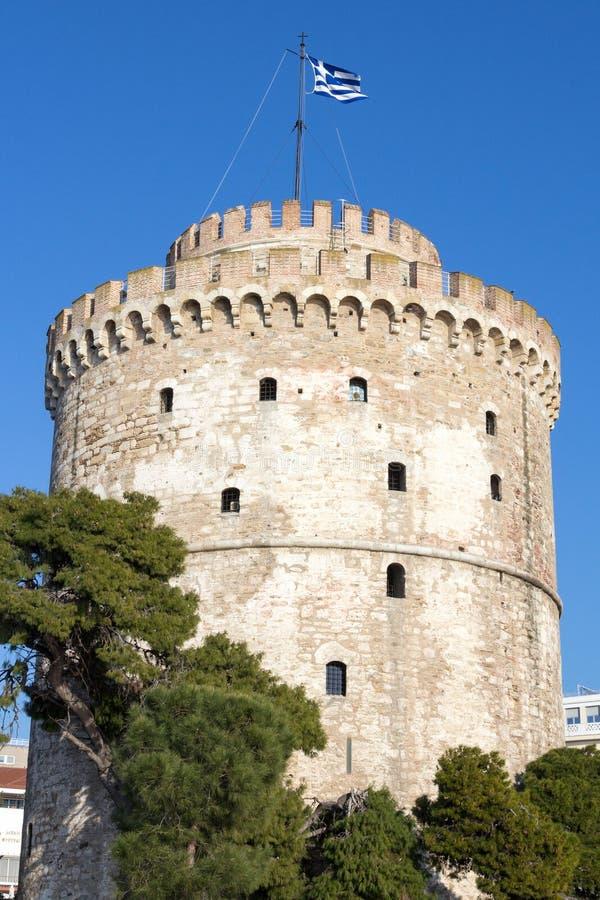 Белая башня на солнечном после полудня Белая башня один из главных памятников Thessaloniki, второго города Греции стоковые изображения rf
