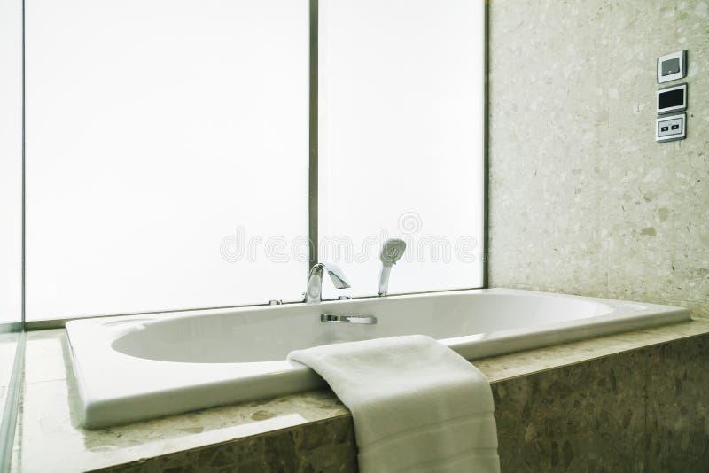 Белая ванна стоковая фотография