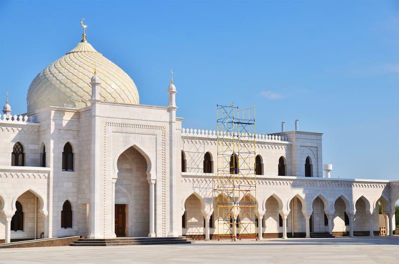 Белая мечеть под конструкцией в Bolgar, Россией стоковая фотография rf