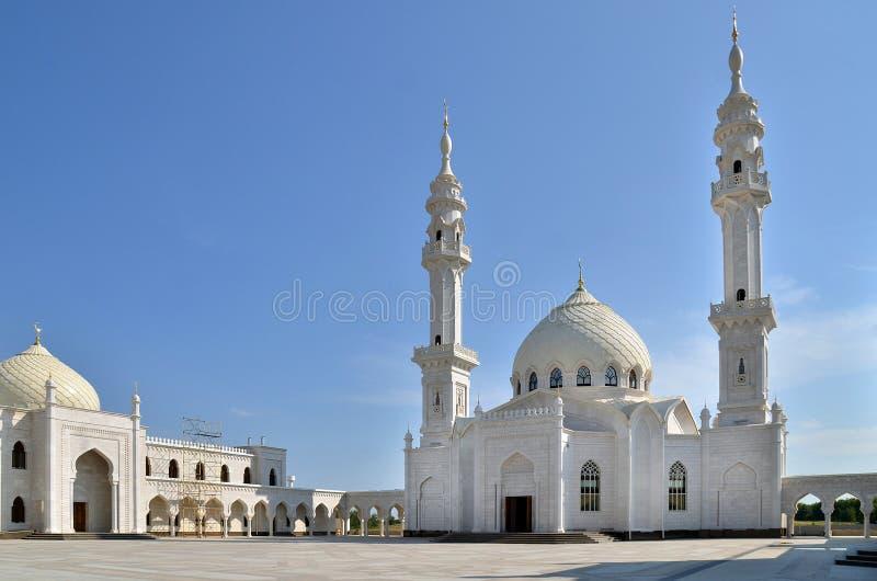 Белая мечеть под конструкцией в Bolgar, России стоковое изображение rf