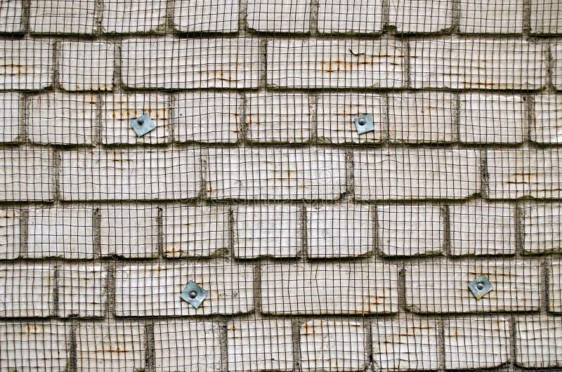 Белая прикрепленная сеть провода металла кирпичной стены восстанавливает стоковая фотография rf