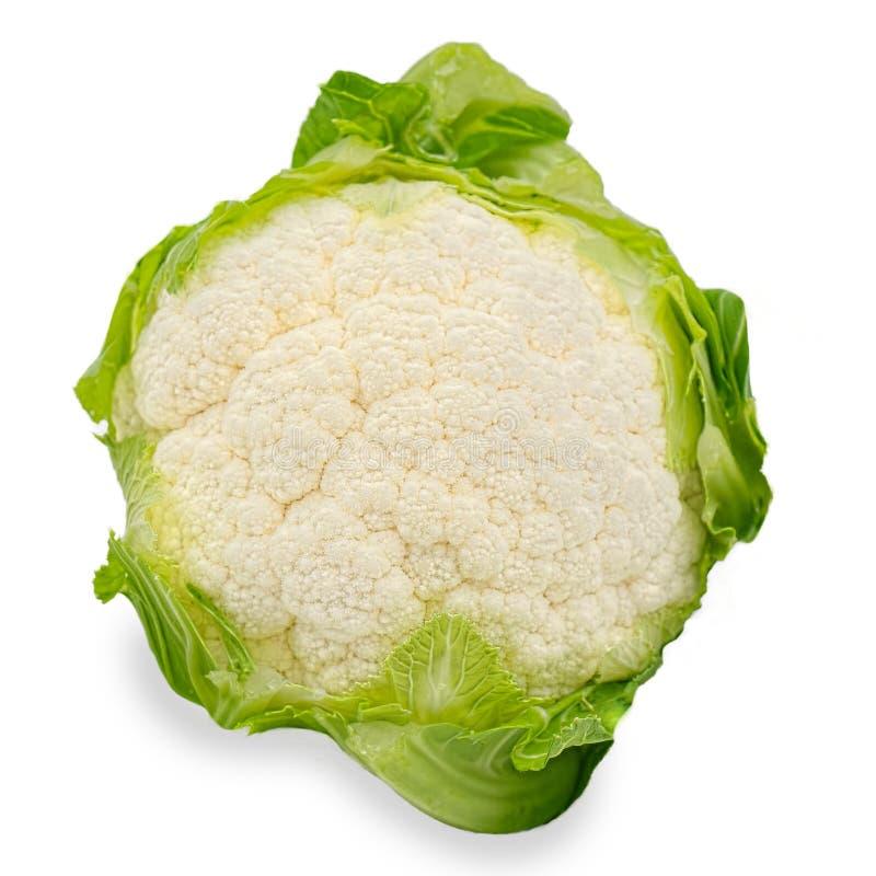 Белая цветная капуста при листья зеленого цвета изолированные на белой предпосылке стоковое фото
