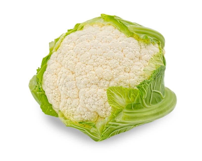 Белая цветная капуста при листья зеленого цвета изолированные на белой предпосылке стоковые изображения