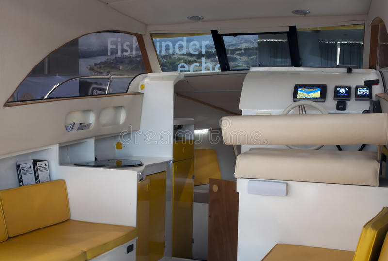 Внутренняя кабина роскошной яхты стоковое изображение rf