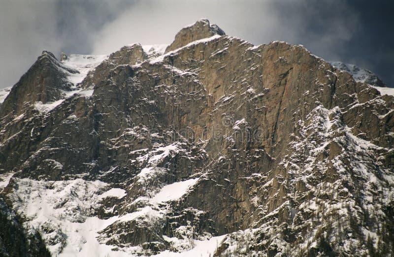 белизна долины ландшафта bucegi стоковая фотография rf