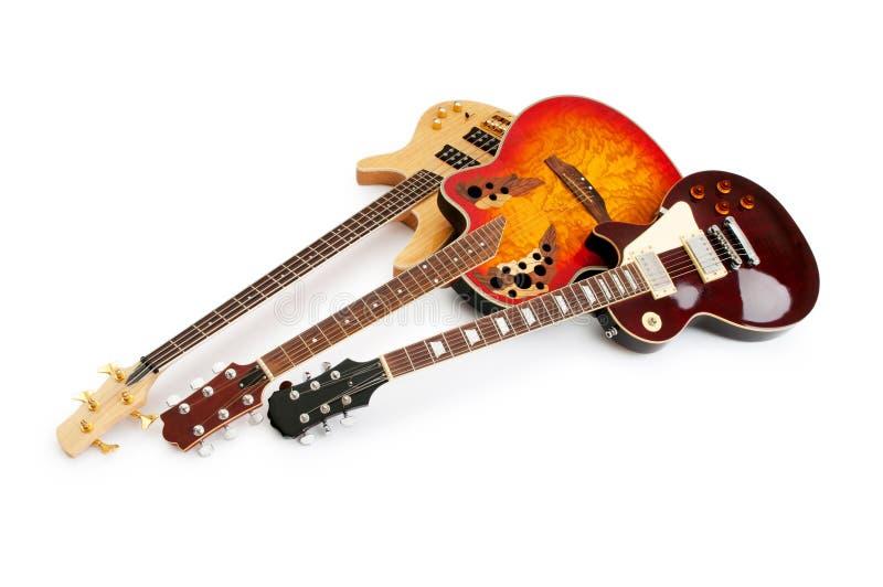 белизна изолированная гитарой музыкальная стоковое изображение