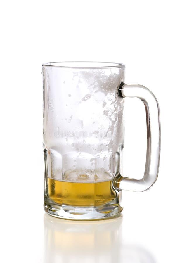 белизна кружки пива стоковое фото rf