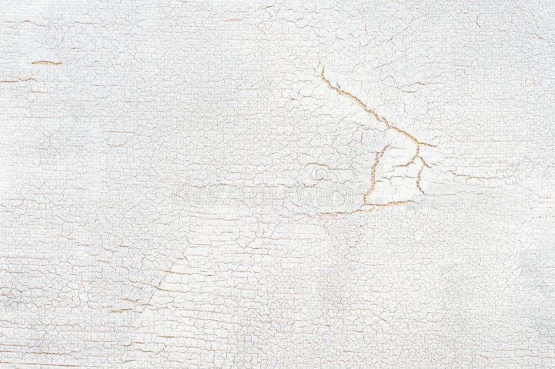 Белизна покрасила треснутую деревянную текстуру стоковые изображения rf